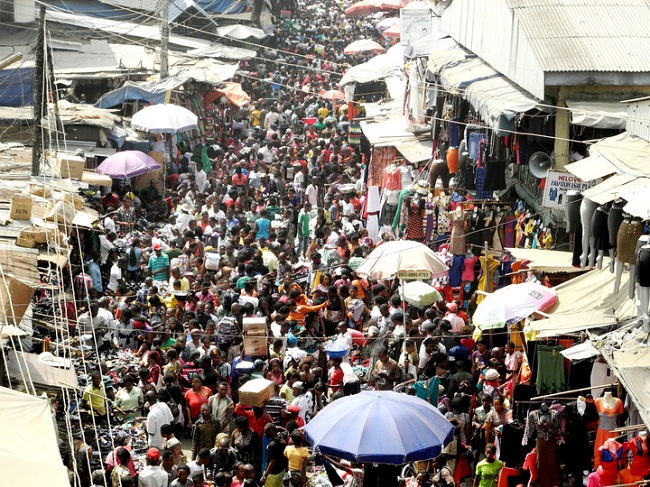 Nigeria's Trade Sector Falls Into Recession for the First Time