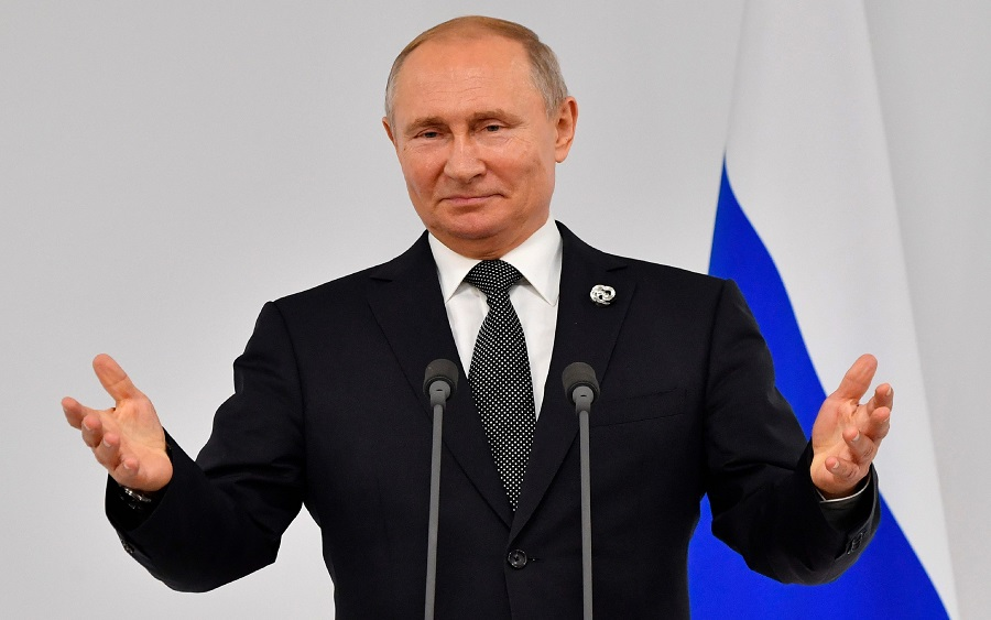"COVID-19 vaccine, In Sochi, Vladimir Putin has proposed a ""unique"" economic assistance to Africa"