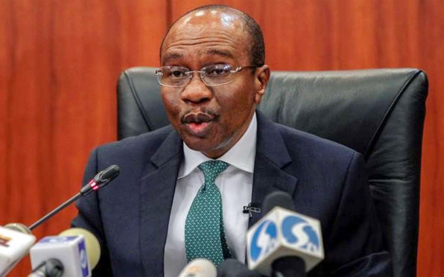 Economic Growth, CBN, Governor, Emefiele, CBN releases new capital base, sanctions for Microfinance Banks, Nigerian Banks broadly positive after naira devaluation, Naira hits N465 to $1, Central Bank begins disbursing $100million to hit at currency speculators