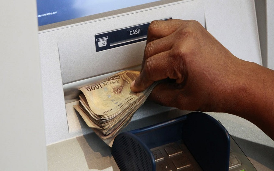 CBN's new bank charges takes off today, Customers blame long queue in banking halls on new ATM withdrawal limits
