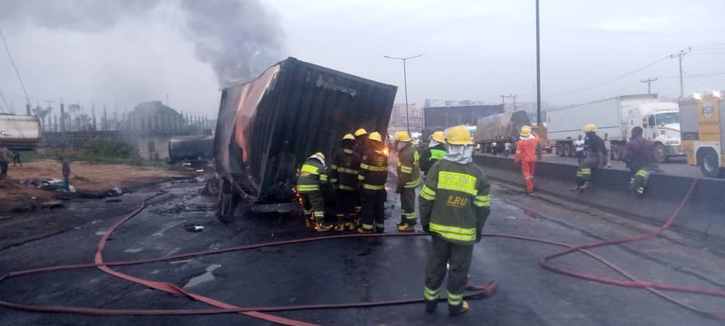 Tanker explodes on Kara bridge, first responders attacked by hoodlums
