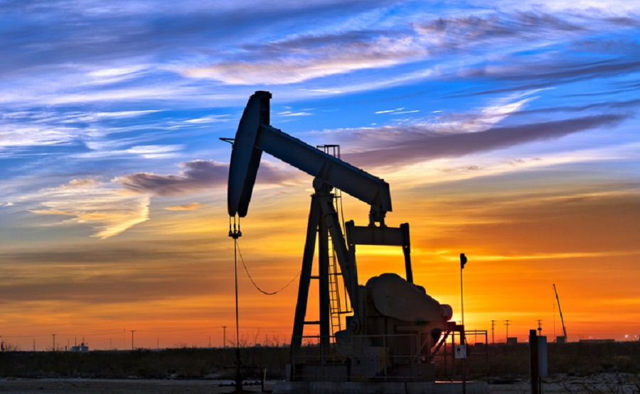 U.S dollar strength causes oil prices to drop
